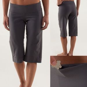 Lululemon Clam Digger II In Soot Light